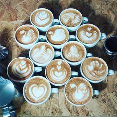 La domenica #CoffeeTrainingAcademy è sempre un giorno di Training. Questa volta molto speciale. #latteart #verona #coffeeporn #caffè