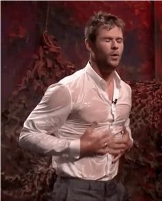 Humans can't get sprayed with this much water and remain flawless like Chris does. ONLY GODS CAN. | 18 Pieces Of Evidence That Prove Chris Hemsworth Actually Is A God