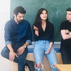 Kaan Urgancioglu and Pinar Deniz in Ask 101 Series Movies, Tv Series, Sad Anime Girl, Endless Love, Alina Boz, Turkish Beauty, Turkish Actors, Celebs, Celebrities