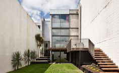 Urban House / Andrea Bell and Andrew Kissell