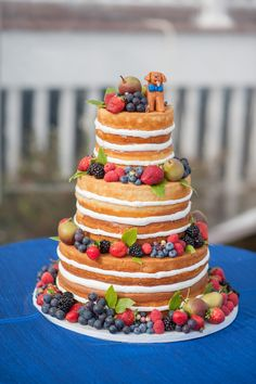 Baker: Let Them Eat Cake / Photo: @breamcdphoto. See more cakes here: http://realmaineweddings.com/Planning-Tools/Maine-Cakes.aspx