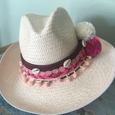 gorgous hat belt fits any hat you have ! Mode Hippie, Boho Hat, Types Of Hats, Hat Crafts, Sun Hats For Women, Summer Necklace, Altered Couture, Summer Hats, Boho Outfits