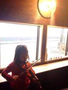 Daughter and violin #child #cute #kawaii #japan #violom