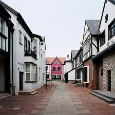 http://www.klix.ba/lifestyle/putovanja/ovi-lazni-gradovi-nastali-su-samo-kako-bi-privukli-turiste/151027070