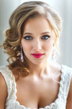 wedding day makeup ideas Love this look [ FaceToFaceWithVio… ] - Wedding Makeup Celebrity Bride Makeup, Wedding Hair And Makeup, Wedding Beauty, Bridal Beauty, Wedding Hairstyles For Medium Hair, Pretty Hairstyles, Bridal Hairstyles, Red Lip Makeup, Hair Makeup