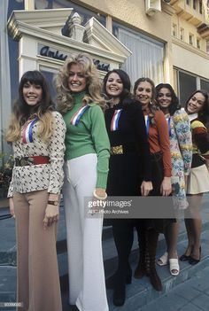 """Walt Disney Television via Getty Images MOVE OF THE WEEK - """"The Great American Beauty Contest"""" 1973 Farrah Fawcett, Unknown Actresses Get premium, high resolution news photos at Getty Images 70s Fashion, Vintage Fashion, Fashion Pics, Vintage Style, Santa Monica, Kate Jackson, Beauty Contest, Farrah Fawcett, Moda Vintage"""