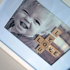 DIY photo frame by Just Another Day in Paradise