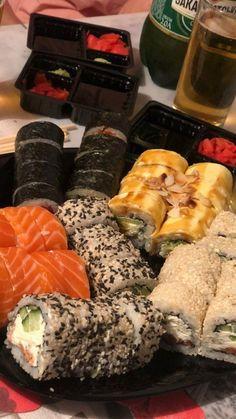 Sushi Love, Good Food, Yummy Food, Food Snapchat, Bar Grill, Deli, Cravings, Food Porn, Healthy Recipes