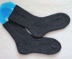 Uutar Knitting Socks, Fashion, Knit Socks, Moda, Fashion Styles, Fashion Illustrations