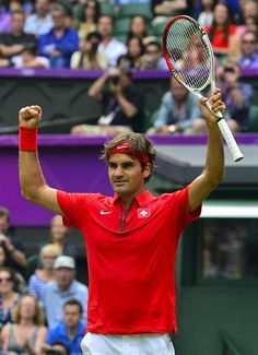Switzerland's Roger Federer celebrates after winning against Colombia's Alejandro Falla.