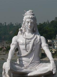Shiva istumas Gangeses, Rishikesh, via Flickr.