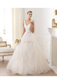 Robe de mariée princesse col V applique dentelle pailleté