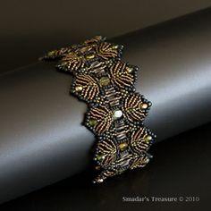 Smadar's Treasure: Toss the Feathers bracelet - love the colour choice.