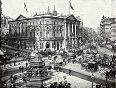 vintage everyday: The Streets of Old London Piccadilly Circus, c. 1900