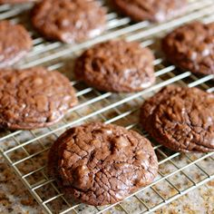 Eva Bakes - There's always room for dessert!: Dahlia Bakery chocolate truffle cookies