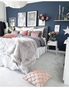 Blue Bedroom Ideas - Set light blue walls with a brilliant silver statement piece for a fantastic unified appearance. Cheer up your blue bedroom by using light blue design as well as white as a Navy Bedrooms, Navy Master Bedroom, Bedroom Black, Blush Grey Bedroom, Navy Gold Bedroom, Dark Blue Bedroom Walls, Grey Carpet Bedroom, Teenage Girl Bedrooms, White Grey Bedrooms