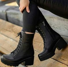Shoes Boots Combat, Combat Boots Style, Heeled Boots, Ankle Boots, Flat Boots, High Boots, Riding Boots, Pretty Shoes, Beautiful Shoes