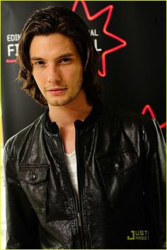 Ben Barnes - isn't he the popular fancast for a young Sirius these days? Beautiful Person, Beautiful Men, Ben Barnes Sirius, Young Sirius Black, Dream Cast, Prince Caspian, Men Are Men, Jonathan Rhys Meyers, Barbie