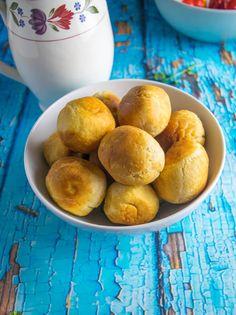 Fry dumplings are a popular Jamaican breakfast. Jamaican Dishes, Jamaican Recipes, Jamaican Breakfast, Appetizer Dishes, Appetizers, Jamaica Food, Vegan Recipes, Cooking Recipes, Vegan Food