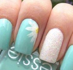 Awesome daisy nails