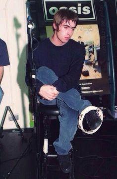 Liam Oasis, Oasis Live Forever, Liam Gallagher Noel Gallagher, Oasis Band, Liam And Noel, El Rock And Roll, Primal Scream, Julian Casablancas, Britpop