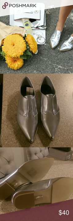 Forever 21 Silver Pointed Toe Oxford Loafers Brand new and never been worn! As seen on countless fashion bloggers! Looks like the ones Olivia Palermo owns! Forever 21 Shoes Flats & Loafers