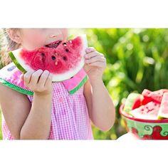 5 consejos para lograr que tu niño coma Lograr que nuestros niños coman todo lo que está en su plato a veces puede parecer misión imposible. Muchas son las ocasiones que escuchamos cómo los padresnos podemos frustrar porque a nuestros pequeños no le gustan las comidas saludables que necesitan para su crecimiento. La idea no es que el ... https://www.somosmamas.com.ar/bebes/5-consejos-para-lograr-que-tu-nino-coma/?utm_source=IG&utm_medium=somosmamas&utm_campaign=SNAP%2Bfrom%2BSomosMam%C3%A1s