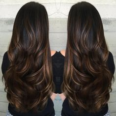 Extra Long Shiny Chocolate Balayage Hair Cool-Toned Brown Balayage Keep your roots natural and mix them with a dark bronde balayage. Your brunette hair will be brightened in a sophisticated way. Brown Hair Balayage, Hair Color Balayage, Bronde Balayage, Balayage Brunette Long, Dark Balayage, Long Brunette Hair, Dark Brunette, Short Hair Styles Easy, Curly Hair Styles