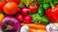 O limão é um poderoso antibactericida natural. Por isso, pode ser usado para lavar verduras - Como higienizar frutas e legumes corretamente - Bolsa de Mulher
