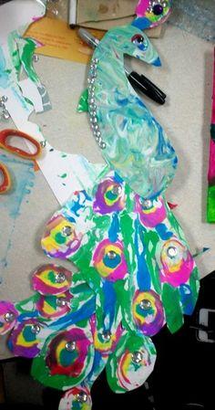 Shaving Cream & Liquid Watercolor (You can also use acrylic, tempera, food coloring, or even Kool-Aid to create the color. Third Grade Art, Grade 2, Peacock Art, Kindergarten Art, Preschool Art, School Art Projects, Middle School Art, Art Lessons Elementary, Art Lesson Plans