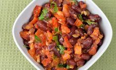 Bönsalsa. En salsa med bönor, tomat, rödlök, chili, vitlök, bladpersilja och olivolja.