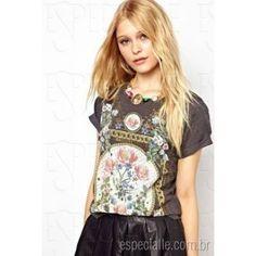 Camiseta baby look com flores Vintage Estampadas - Várias cores