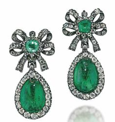 A PAIR OF LATE 18TH century emerald and diamond earings