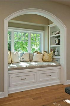 Books with Crafts To Match Time to fix up the ole house.redoing the window seat.Time to fix up the ole house.redoing the window seat. Family Room, Home And Family, For The Home, Family Homes, Sweet Home, Diy Casa, Cozy Nook, Cozy Corner, Cosy Bed
