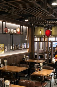 Shujinko Ramen, Melbourne CBD. Vic Ash timber screens and ceiling features supplied by Timber Revival. Design and Construction: SALT Design and Construction. Image: copyright SALT Design and Construction. #restaurant #fitout #timbermelbourne #hospitalitydesign #hospitality