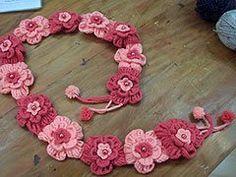 DE MIS MANOS TEJIDOS Y MAS...: Chalinas de flores para nenas
