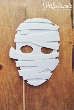 Mummy Photo Prop on a Stick // Halloween Mask on by Perfectionate