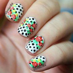 Pinterest @IIIannaIII 🌹💦 Sparkly Nails, Coming Up Roses, Cute Nail Designs, Beauty Nails, Cute Nails, Hair And Nails, Nail Polish, Nail Art, Beautiful