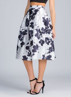 No need to wine and dine us, honey. This floral skirt's got all the romance we need.