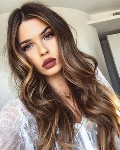 Balayage hair is suitable for light and dark hair, almost all lengths except very short haircuts. Today I want to show you the most gorgeous balayage hair dark color ideas. Balayage has become the biggest trend in recent seasons, and it's not over Balayage Highlights, Balayage Hair, Brown Balayage, Bayalage, Auburn Balayage, Color Highlights, Carmel Highlights, Short Balayage, Brown Hair Subtle Highlights