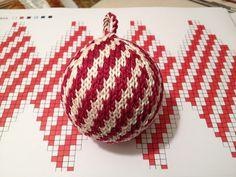 "Ravelry: Julekuler - ""Zuckerstange"" (candy cane) pattern by Jasmin Malekpour-Augustin"