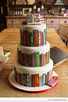 If You Love Books, Then This Is Your Cake - Damn! LOL