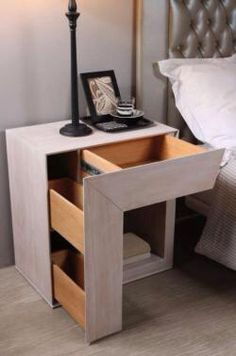 Clever storage table
