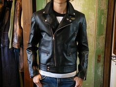 LEWIS LEATHERS -着用サンプル- | BE-POP Mens Leather Coats, Men's Leather Jacket, Leather Jackets, Riders Jacket, Jacket Men, Leather Fashion, Mens Fashion, Mens Travel Bag, Travel Bags
