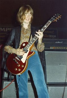 John Paul Jones playing a Gibson Les Paul Guitar, (Jimmy Page's) Led Zeppelin, John Paul Jones, Bass, Young John, Les Paul Guitars, John Bonham, Greatest Rock Bands, Gibson Guitars, Jimmy Page