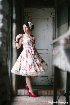 Lady Mayra Anna Hawaii Hibiscus Summer Floral Dress Vintage Rockabilly Clothing Pin Up 50s Swing Prom Wedding Bridesmaid Plus Size Tea Party by LadyMayraClothing on Etsy https://www.etsy.com/listing/209318571/lady-mayra-anna-hawaii-hibiscus-summer
