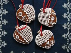 Gingerbread, Christmas Ornaments, Holiday Decor, Cookies, Wood, Crack Crackers, Ginger Beard, Christmas Jewelry, Biscuits