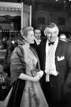 Grace Kelly and Clark Gable arrive at the 26th annual Academy Awards at the RKO Pantages Theatre in 1954. #celebrities