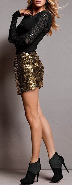 ✮ Doutzen Kroes ✮ new years eve outfit Look Fashion, Runway Fashion, Fashion Beauty, Womens Fashion, Fashion Black, Party Fashion, Fashion Shoes, Girl Fashion, Winter Fashion