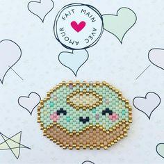 Petit donut en brick stitch  #donut #brickstitch #miyukibeads #jenfiledesperlesetjassume #handmade #kawaii #lesbijouxacidules #motiflba